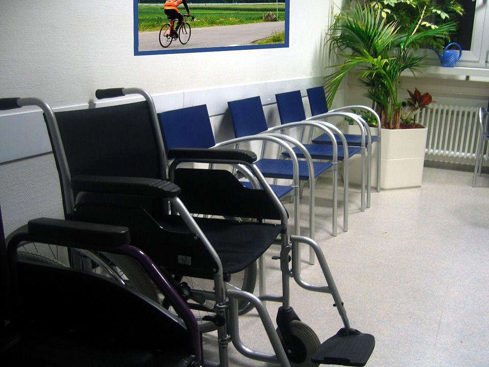 Инвалидное кресло, автор: geralt, лицензия CCo 1.0
