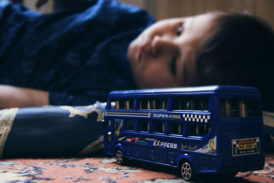 Ребенок в депрессии, автор: xusenru, лицензия: CCo 1.0